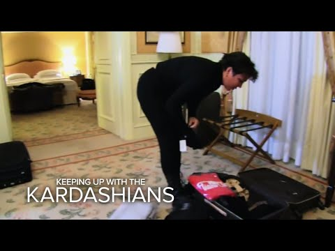 KUWTK | Thieves Steal Kris Jenner's Luggage! | E!
