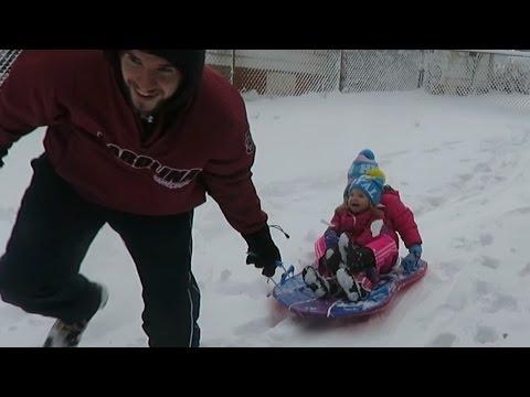 WINTER WONDERLAND SNOW FUN! │1•7•17 DAILY VLOG