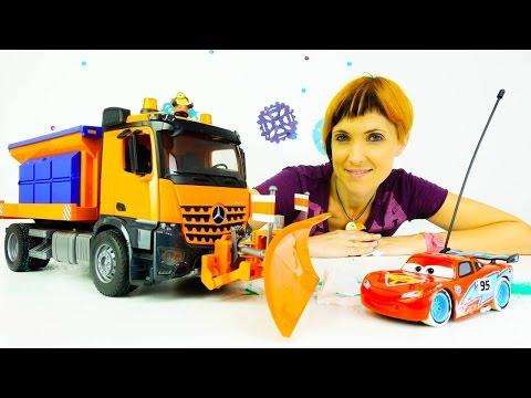 Видео для детей про машинки. #веселаяшкола Маша Капуки, Грузовичок Лева, снегоуборочная машина