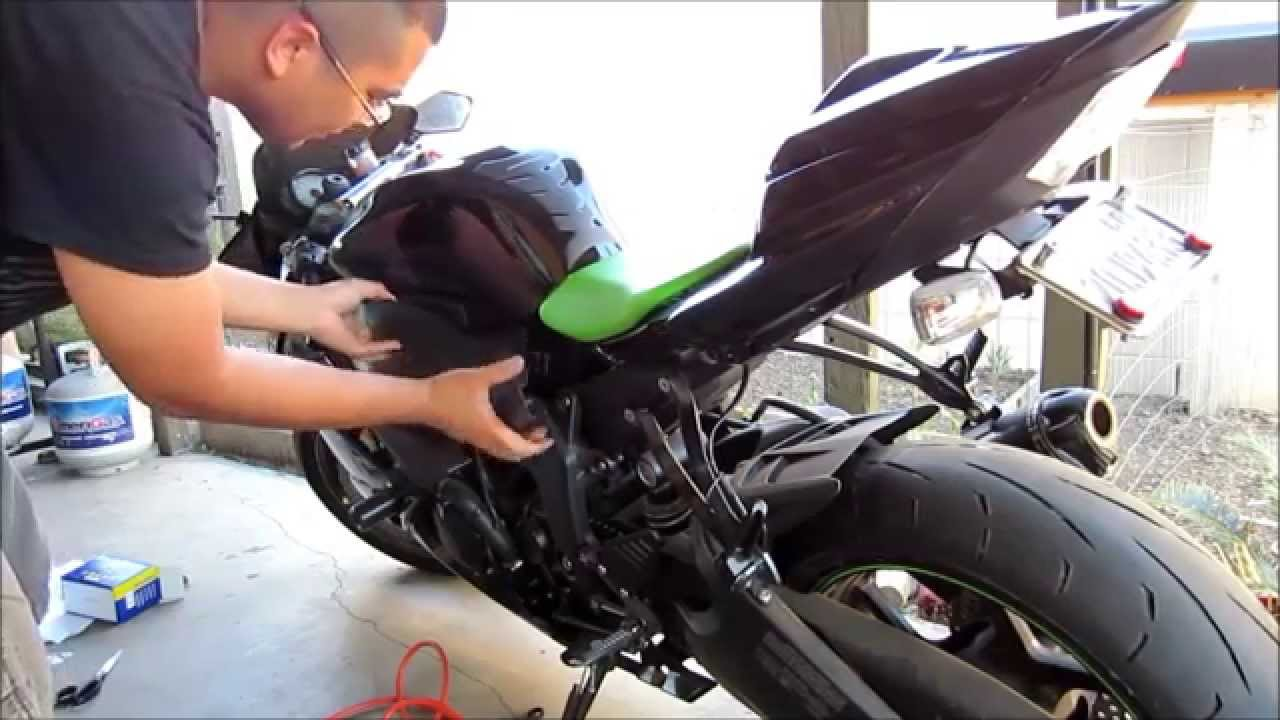 diy how to change battery of motorcycle sport bike kawasaki ninja zx6r monster special edition [ 1280 x 720 Pixel ]