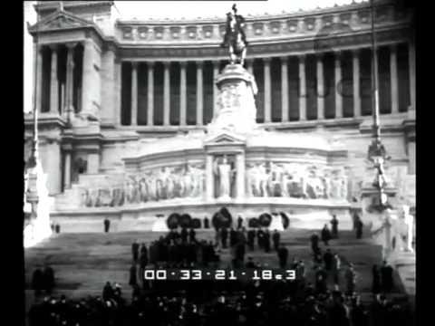 Buon Natale Fascista.Nella Solennita Del Natale Il Fascismo Esalta La Maternita E L Infanzia 92 Madri Italiane Una Youtube