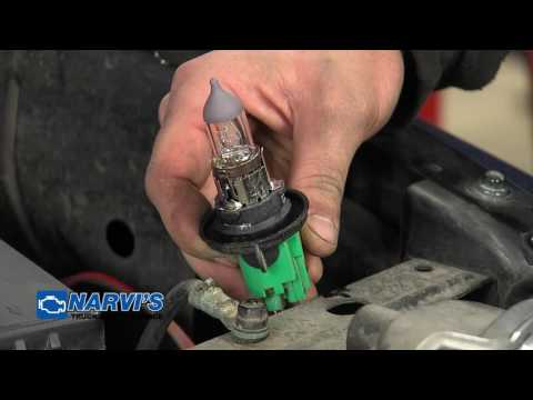 Auto Tips: Changing headlight bulbs