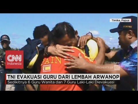 Tangis Haru saat TNI Evakuasi Guru dari Lembah Arwanop Papua