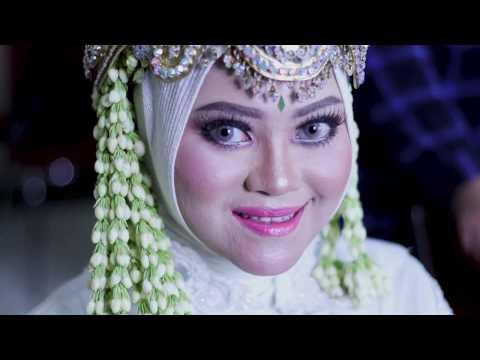 Proses Make Up dan Rias Adat Sunda Siger