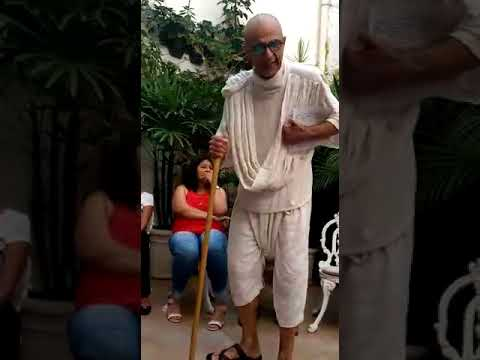 João Signorelli - Gandhi - 01