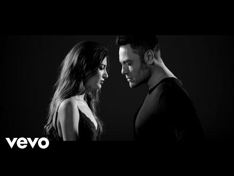 Смотреть клип Tiziano Ferro, Ana Guerra - Acepto Milagros