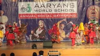 Aaj Gokulat Rang Kehlto Hari - Aaryans