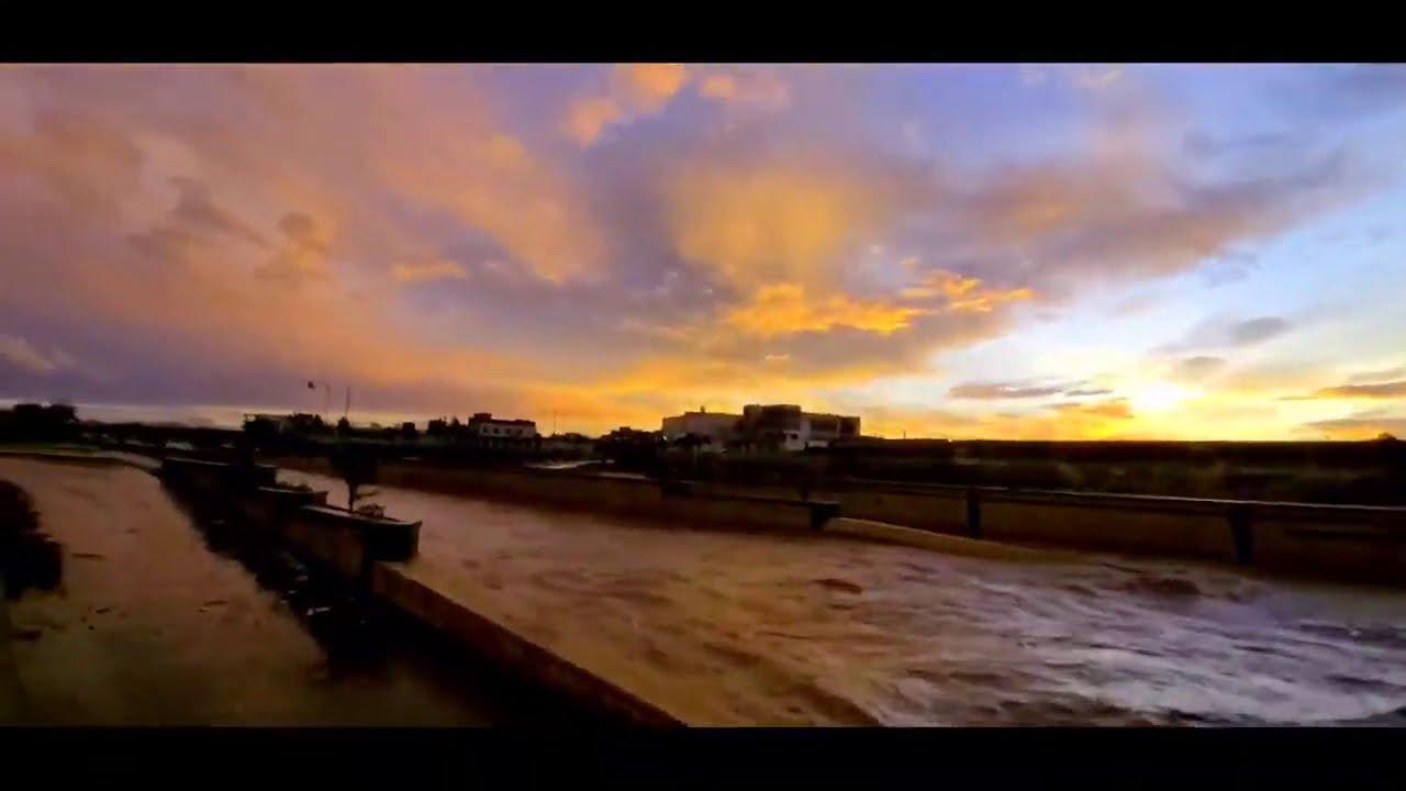 امطار و اجواء اليوم في صنعاء قبل طلوع الشمس و قبل غروبها اجواء باريسية 😍🇾🇪