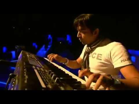 Keyboard Player stephen devassy in A.R.Rahman Live