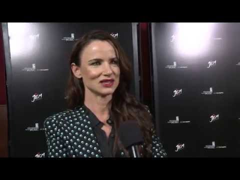 "Jem and the Holograms: Juliette Lewis ""Erica Raymond"" Special Movie Premiere Interview"