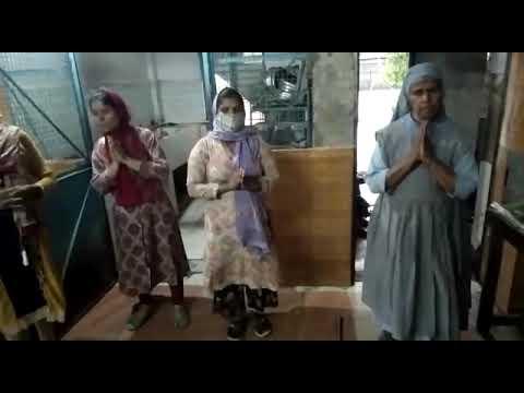 विवि कुलपति ने आशाधाम में 300 लोगों को किया अन्नदान