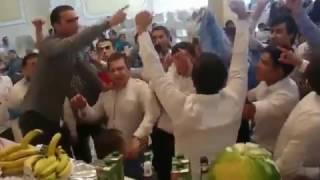Оригинальное поздравление на свадьбу от друзей