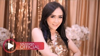 Download Video Ucie Sucita - Cinta Tak Terbatas Waktu (Official Music Video NAGASWARA) #music MP3 3GP MP4