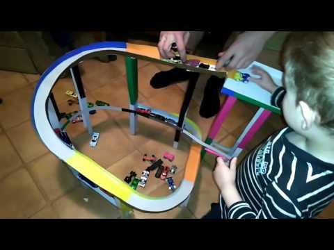 Супер Трек для машинок Hot Wheels сделанный своими руками.Играем машинками Хот вилс на треки!!!