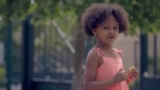 Kelssy enfant mannequin france Pub CARREFOUR «J'optimisme»