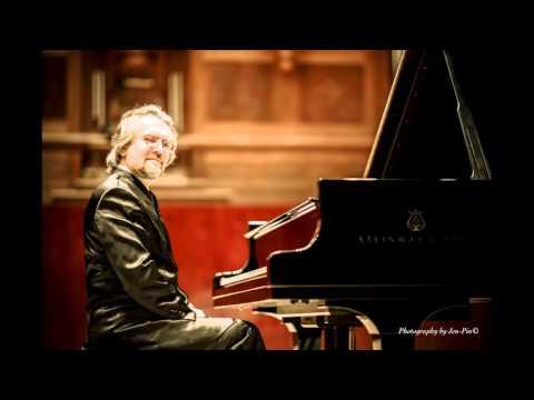 Konstantin Scherbakov plays Tritsch-Tratsch Polka by G. Cziffra