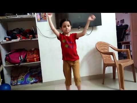 Gloria's dance on badal bijali ka raja