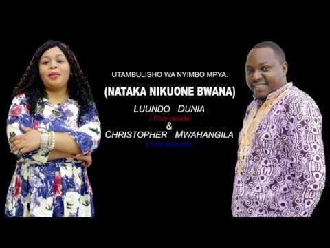 Luundo Dunia ft Christopher Mwahangila  Nataka nikuone Bwana. Live concert in Dar es Salaam