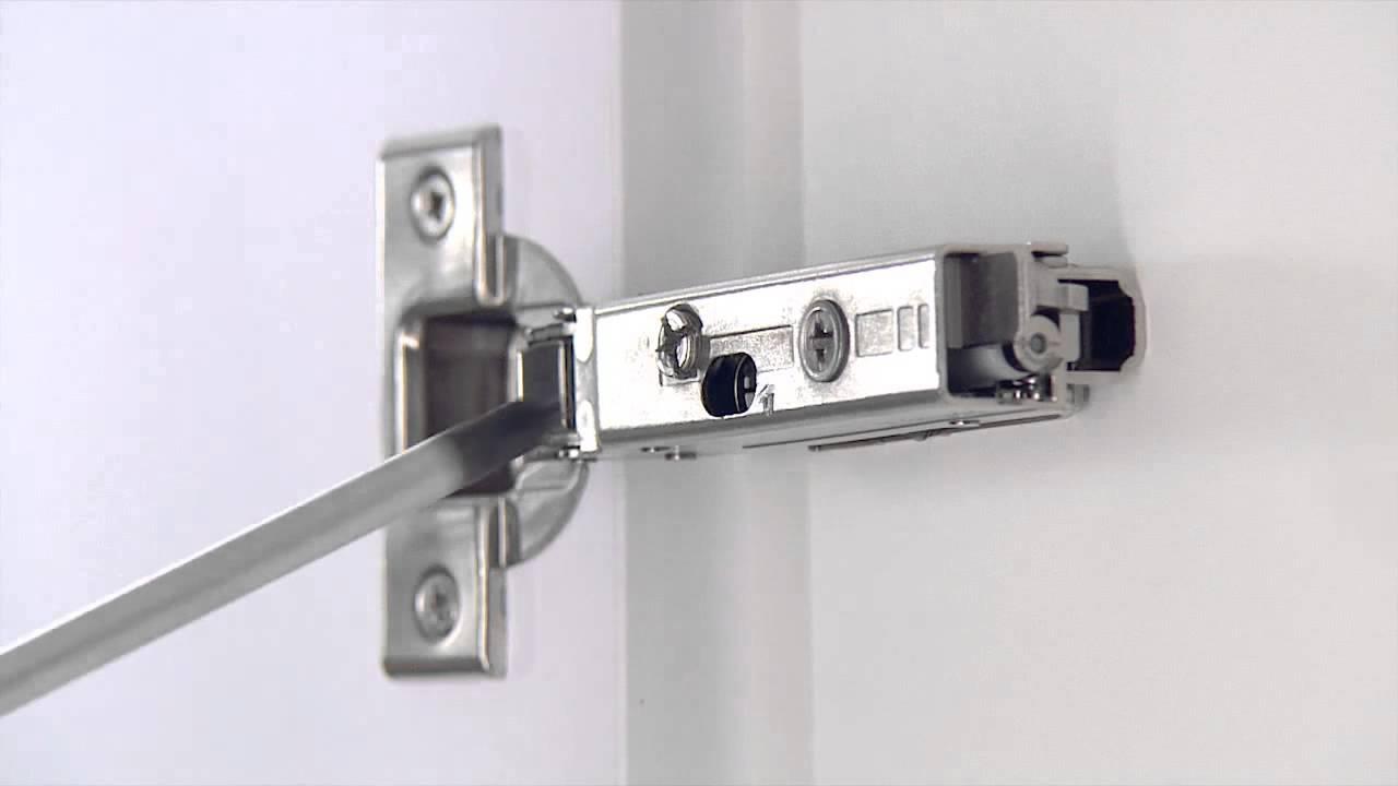 Regolazione nuove cerniere grass youtube - Cerniere per ante cucina 180 gradi ...