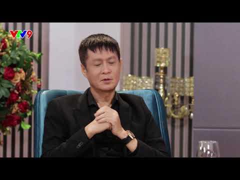 """Đạo diễn Lê Hoàng """"ngượng chín mặt"""" khi bị các vũ công thản nhiên thay đồ trước mặt"""