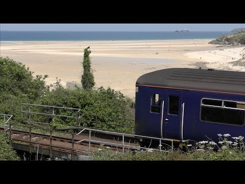 THE COAST-HUGGING SLICE OF St IVES - JOURNEY TO THE CENTRE FROM St ERTH