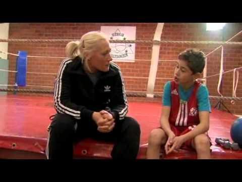Boxarna del 2 - Lilla Sportspegeln   SVT Play.flv