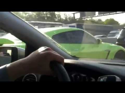 Police Chase Nissan GTR Through Heavy Russian Traffic with Bribe