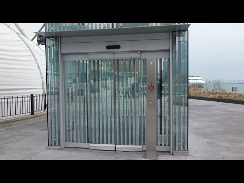 Awesome Full Glass Us Hydraulic Elevator At Navy Pier In Chicago Il