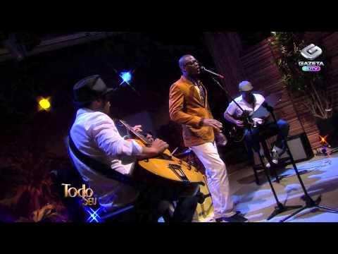 Zalon Performing 'Valerie' Live In Brazil