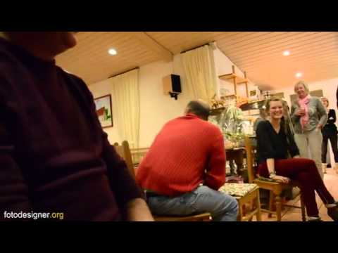 Showhypnose am Brunnenhof - Hypnosis with audience - YouTube.flv