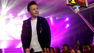 Video Knee Deep in My Heart - Shane Filan Right Here Concert Jakarta 2017 download MP3, 3GP, MP4, WEBM, AVI, FLV Juni 2018