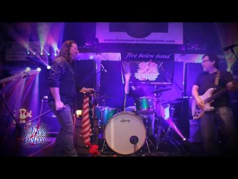 """Five Below Band covers Steppenwolf """"Magic Carpet Ride"""" @ Paulie's Toasted Barrel in Lexington, KY"""