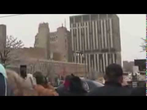 Flint, Mich 's largest building imploded