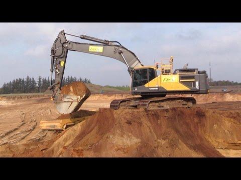 New Volvo EC480E Excavator With Trimble 3D GPS Loading Volvo Dumpers