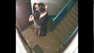 Часть 2! Скрытая камера и агрессивные соседи в подъезде! 480p(Полиция и прочие вкусняшки 1 часть-http://www.youtube.com/watch?v=LYwe-Gvmtfs http://mybirds.biz/?i=2082 -выращивай птиц, собирай яйца и..., 2014-03-06T12:27:06.000Z)