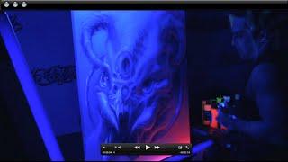 الأشعة فوق البنفسجية (Blacklight) أيربروشينغ مع العتاد Boxxx باستخدام Createx الأشرار