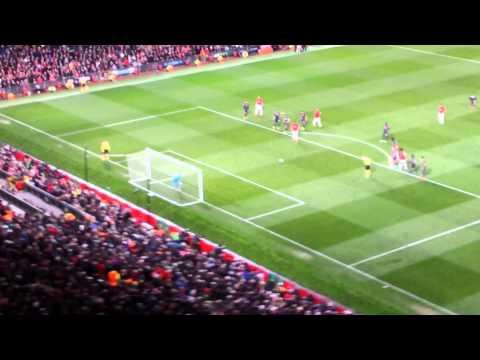 Robin Van Persie Scores Penalty vs Olympiakos