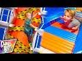AMAZING Indoor Playground Building Climb!