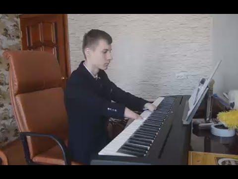 Handless Pianist: 15yo Russian shows off his musical skills