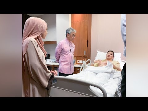 King visits Azmin in hospital