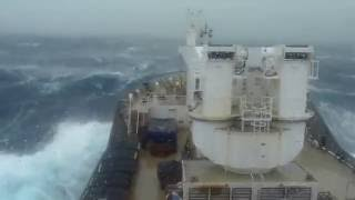 Grosse mer sur le Marion Dufresne