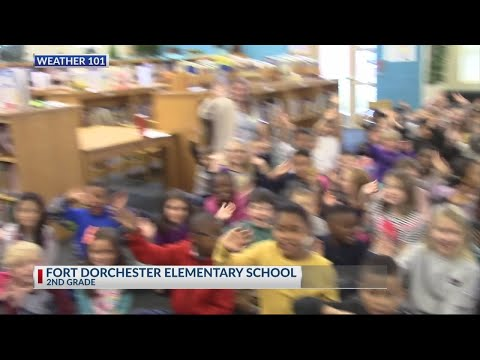 Rob Fowler visits the 2nd graders at Fort Dorchester Elementary School