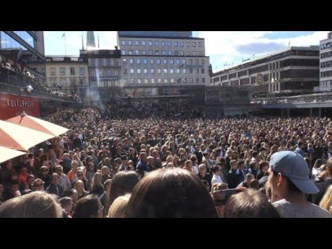 People in Stockholm pay tribute to Avicii
