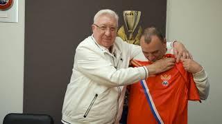 Чествование обладателей 1 го трофея в истории российского мини футбола 30 лет триумфу в Агридженто