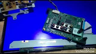 PLINGGISAN SERVIS TV LED Toshiba gambar sbagian