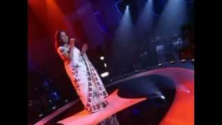 sujatha singing varamanjaladiya live in Indian Voice
