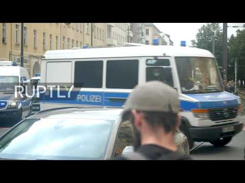 Germany: Protesters detained as thousands march against COVID restrix in Berlin