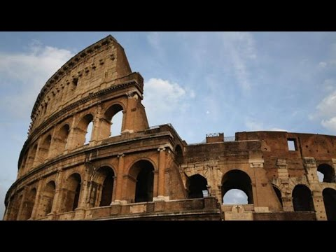 2 American Tourists Vandalize Rome's Colosseum