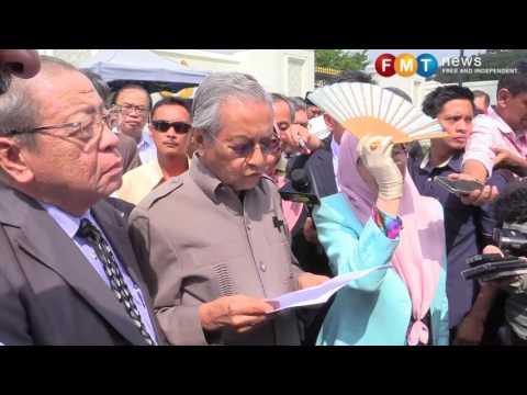 Dr Mahathir ke Istana Negara minta Agong rujuk pelantikan ketua hakim