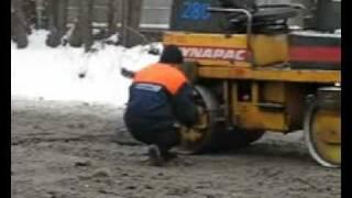 Видео дня  Как делают наши дороги  » Лента приколов Коляна   Зайдёшь раз и останешься навсегда